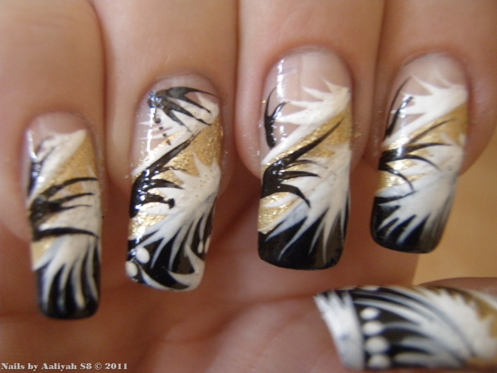 White And Gold Nail Art Design Black Nails Posted In Nezaradene Designs Glitter Sunday